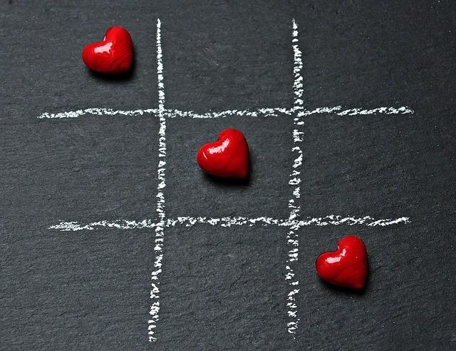 Tic-tac-toe hearts